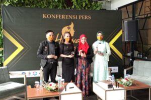 Dari kiri ke kanan, manager marketing Eko Cahyono, manager marketing Devi Iriyanti utami, Owner Helwa Nabella Tamim, dan PR Helwa Masdiana Devi