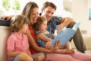 manfaat membacakan dongeng