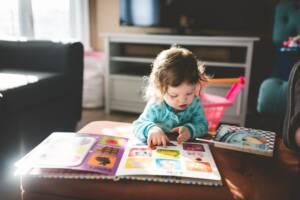 Mencintai Buku Sejak Dini