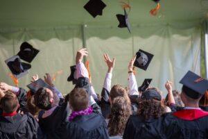 perbedaan diploma dan sarja